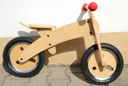 Der Klassiker - das robuste Laufrad aus Holz